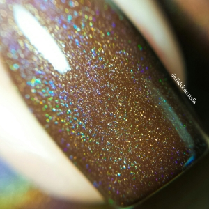 wpid-lavish-polish-wonder-fall-holo-duo-macro.jpg.jpeg