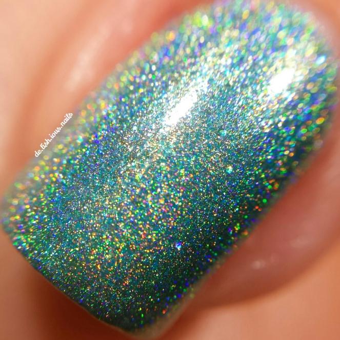 glam-polish-i-wanna-be-loved-by-you-macro.jpg.jpeg