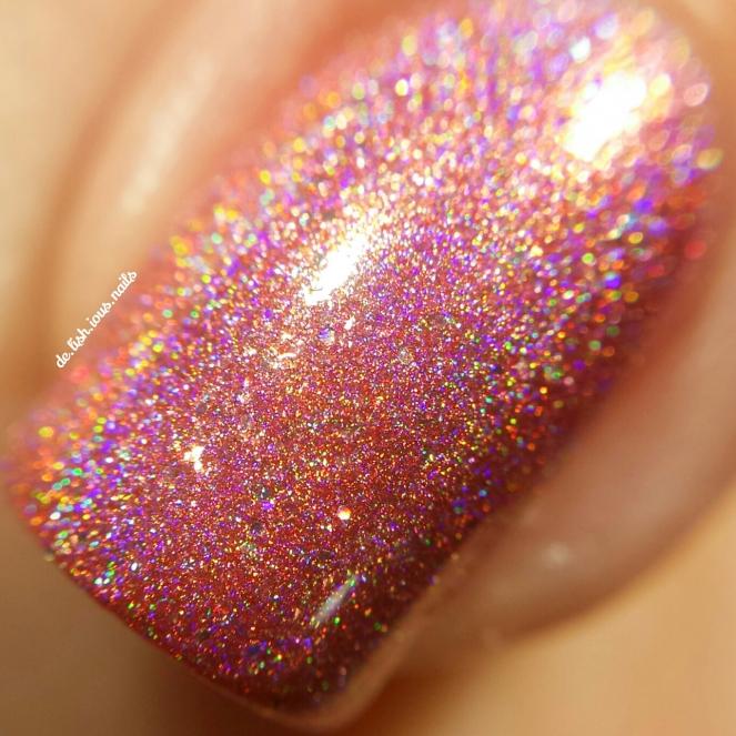 glam-polish-some-like-it-hot-macro.jpg.jpeg