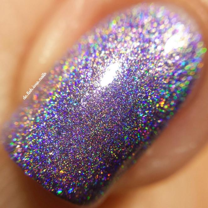 glam-polish-the-prince-the-showgirl-macro.jpg.jpeg