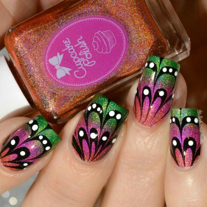 cupcake_butterfly_watermarble_1.jpg