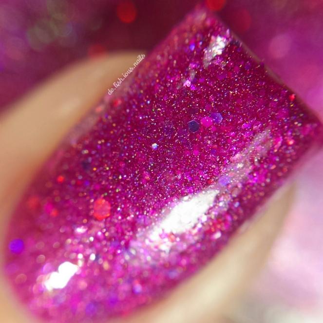 Glam_polish_alice_place_called_wonderland_2