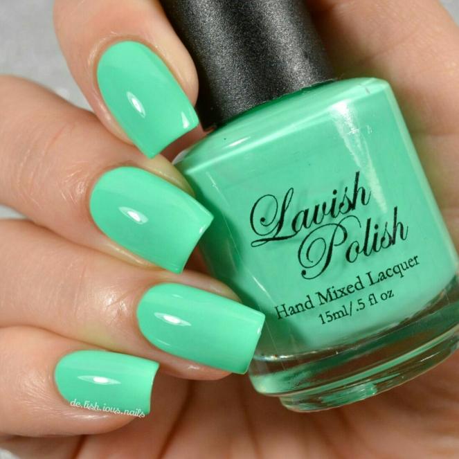 Lavish_polish_summer_sunglasses_flipflops_