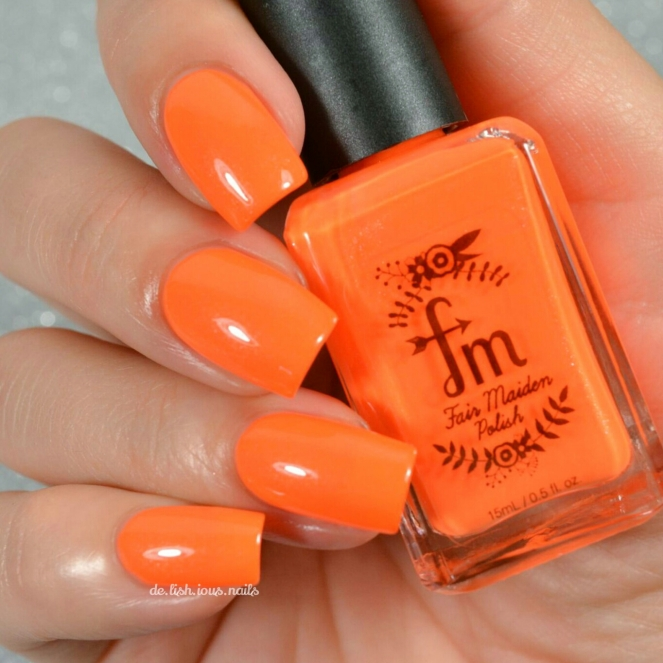Fair maiden shimmer flirty